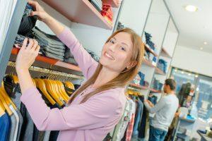 Продажа одежды и обуви
